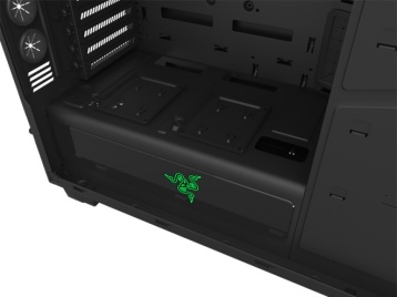 20140824su-nzxt-razer-green-gaming-computer-case-006